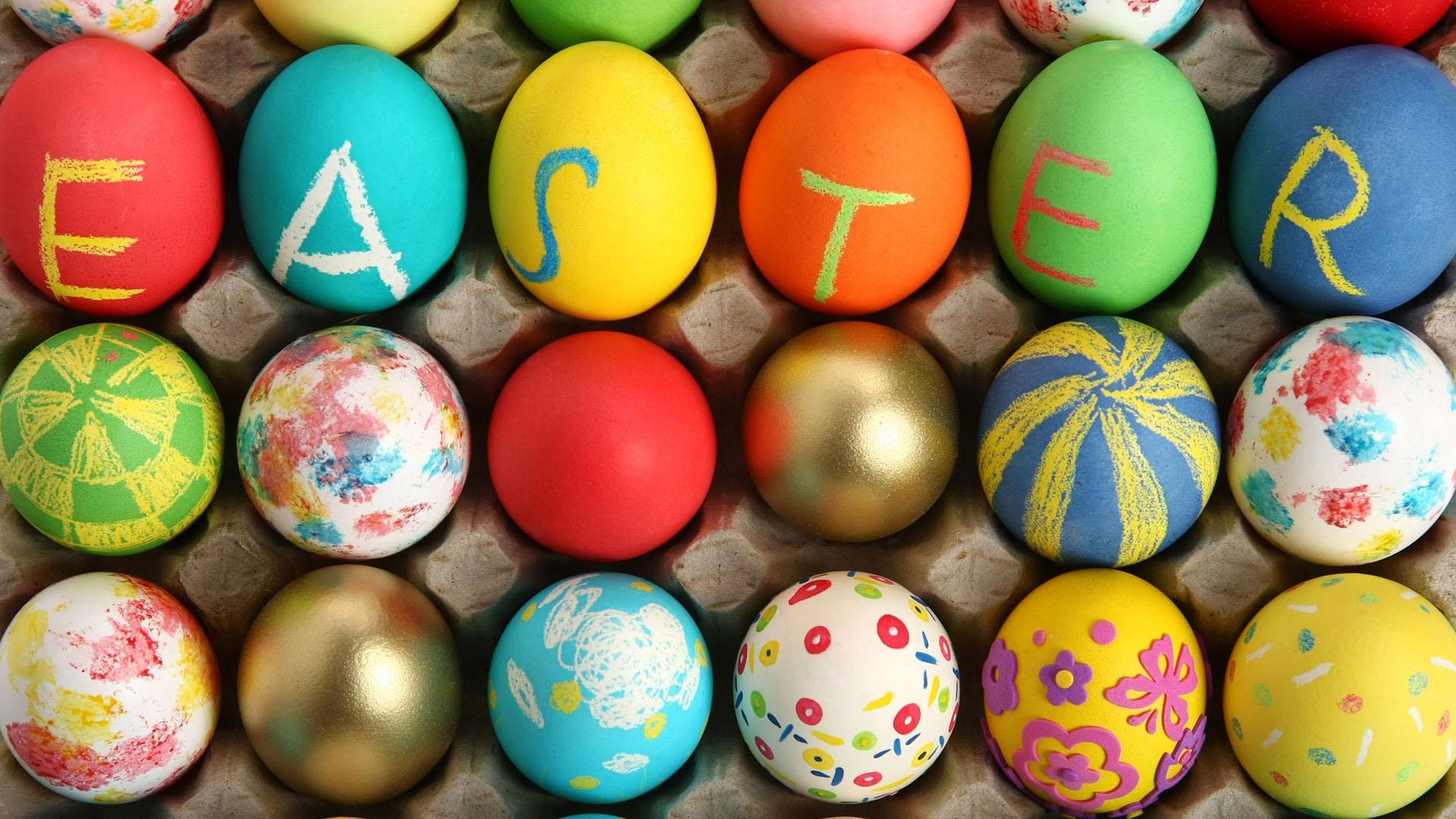 Sending_an_Easter_parcel