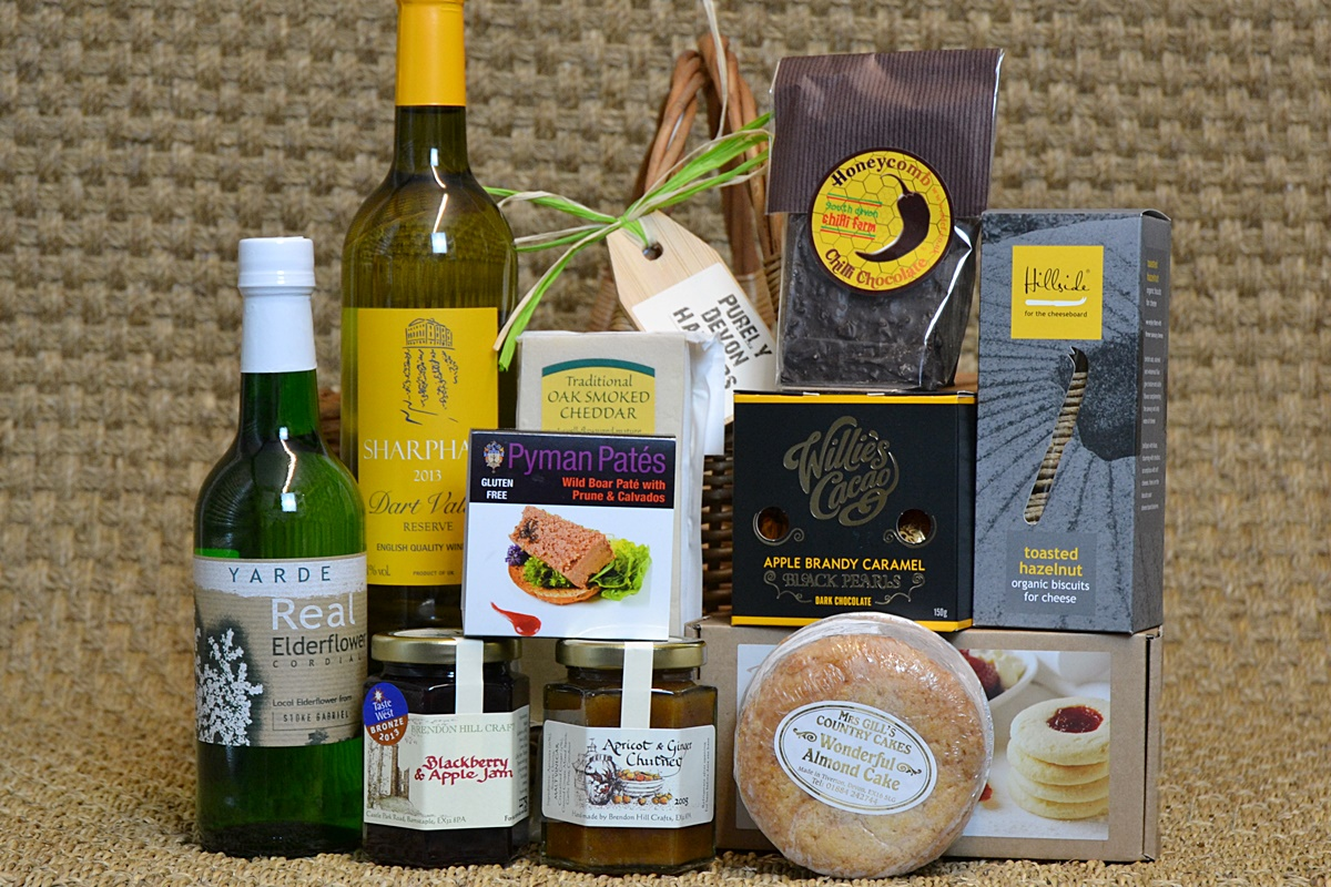 countryside-hamper